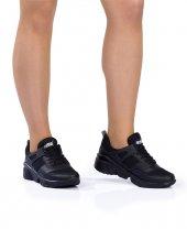 Siyah Renk Spor Ayakkabı
