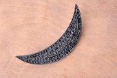 The Betys Ay Kesim Siyah Taşlı Broş