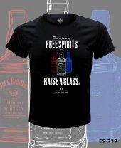 Büyük Beden Jack Daniels Raise A Glass Tişört