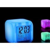 7 Renk Değiştiren Küp Şeklinde Alarmlı Dijital Saat