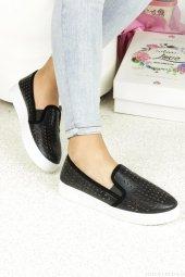 Siyah Lazer Kesim Bayan Günlük Ayakkabı