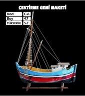 Ahşap Çektirme Gemi Maketi