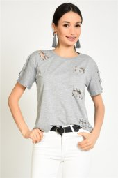 çengelli İğne Detaylı Kadın T Shirt