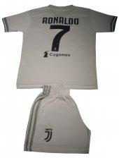 çocuk Foram Ve Şort Ronaldo