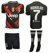 Juventus Ronaldo Çocuk Forma Şort Ve Tozluk