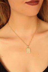Gold Renk Metal Plaka Tasarım Zincirli D Harfi Bayan Kolye